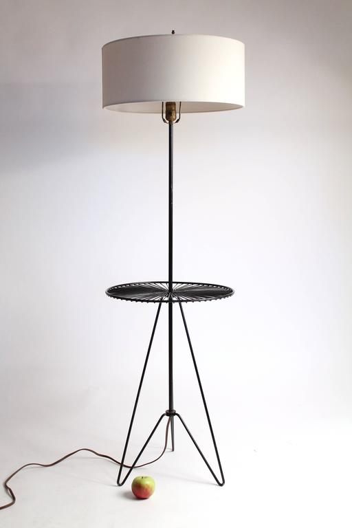 Mid-Century Modern Wire Floor/Table Lamp in the Style of Tony Paul, Mid-Century, 1950s, USA For Sale