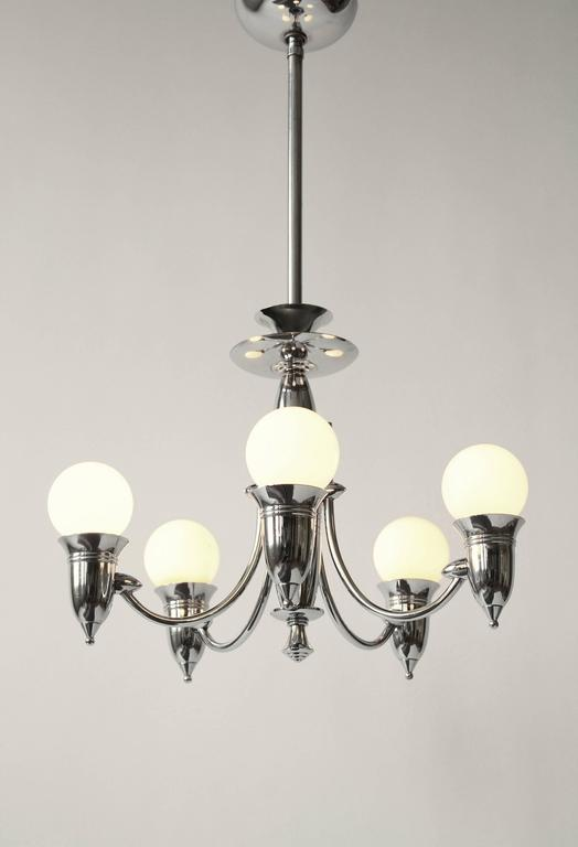 Art Deco Five Arms Nickel-Plated Chandelier with Two Matching Pendant, 1930s USA In Good Condition For Sale In St- Leonard, Quebec