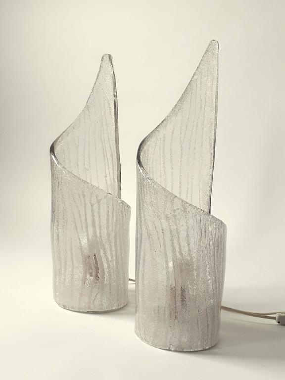 Pair of Thick Clear Texturized  Murano Glass Table Lamp , 1970s, Italia For Sale 4