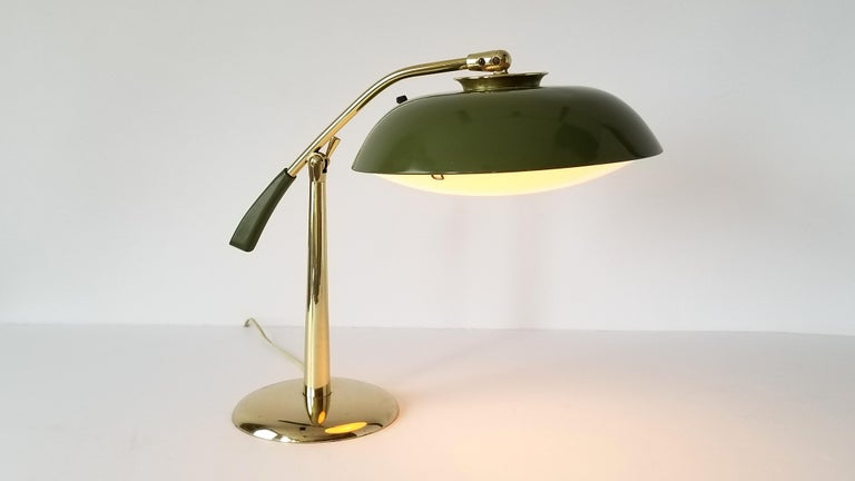 Mid-20th Century 1950s Gerald Thurston Brass Table Lamp with Enameled Shade, USA For Sale