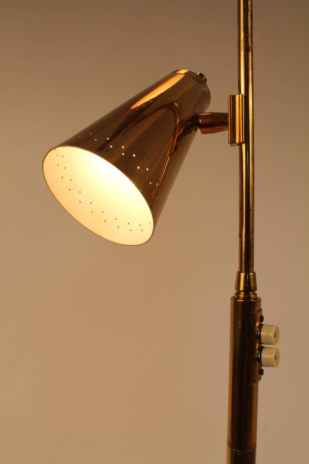Brass and walnut floor lamp in the style of stiffel mid for Brass floor lamp made in usa