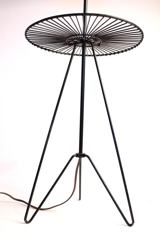 Enameled Wire Floor/Table Lamp in the Style of Tony Paul, Mid-Century, 1950s, USA For Sale