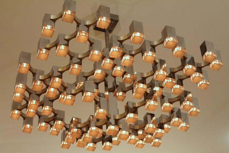 Exceptional 81 Cubes Sciolari Chrome  Chandelier , 1970s , Italy In Excellent Condition For Sale In St- Leonard, Quebec