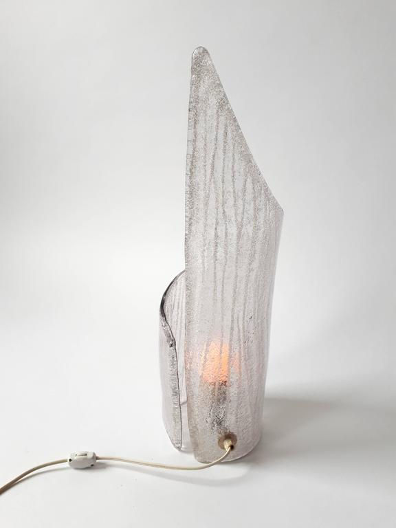 Late 20th Century Pair of Thick Clear Texturized  Murano Glass Table Lamp , 1970s, Italia For Sale