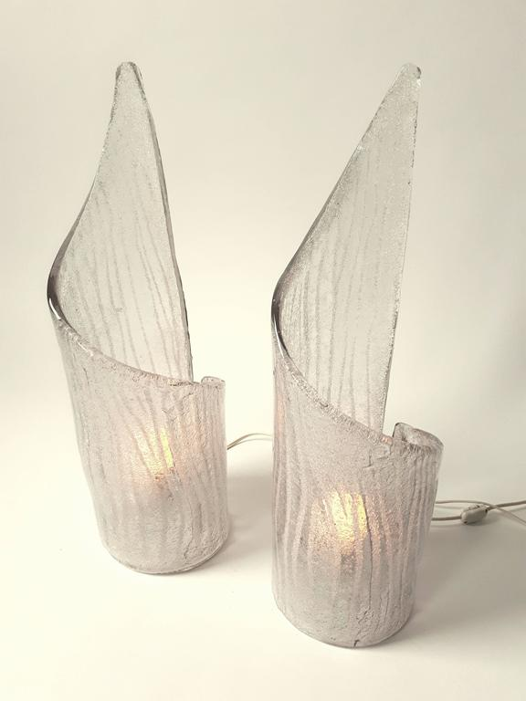 Italian Pair of Thick Clear Texturized  Murano Glass Table Lamp , 1970s, Italia For Sale