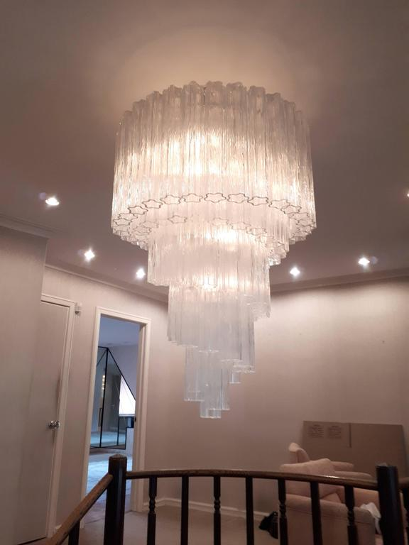 1960s , Early Venini ' Tronchi '  Massive Waterfall Chandelier ,  Italia In Excellent Condition In St- Leonard, Quebec
