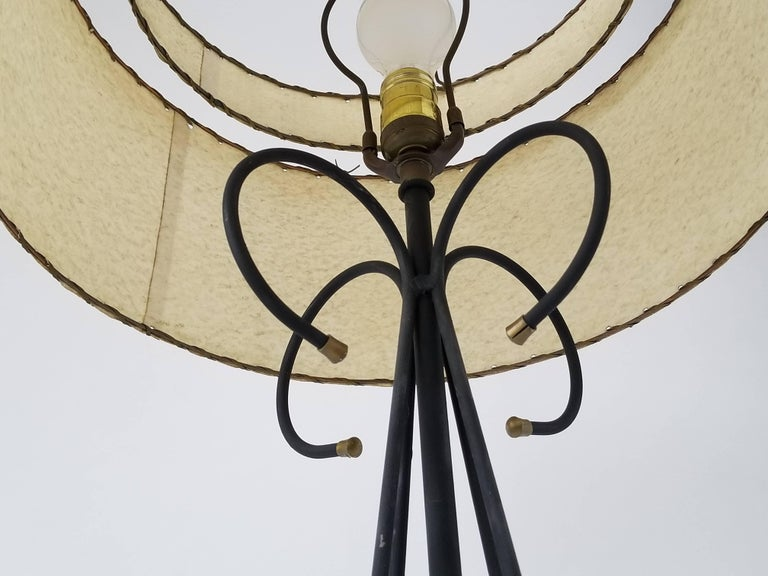 1950s Wire Floor Lamp in the Style of Tony Paul, USA In Good Condition For Sale In St- Leonard, Quebec