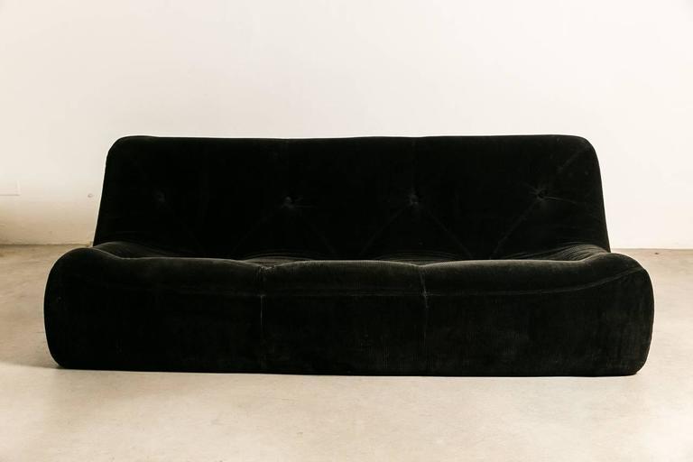 togo sofa by michel ducaroy for ligne roset 1980. Black Bedroom Furniture Sets. Home Design Ideas