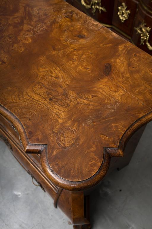 19th Century Dutch Rococo Walnut Bombe Chest For Sale 3