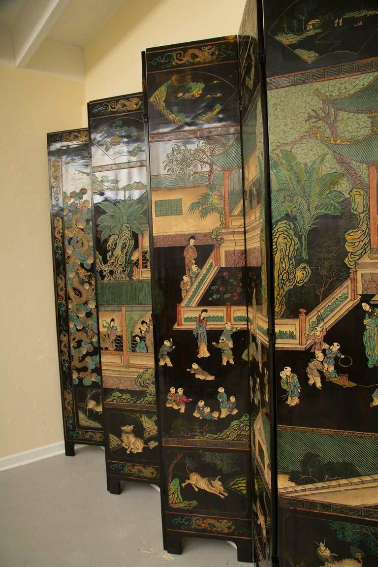 Magnificent Chinese 12-Panel Coromandel Screen In Good Condition For Sale In WEST PALM BEACH, FL