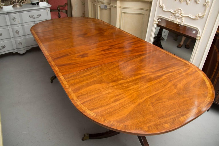 English George III Style Mahogany Twin Pedestal Mahogany Oval Dining Table For Sale 4