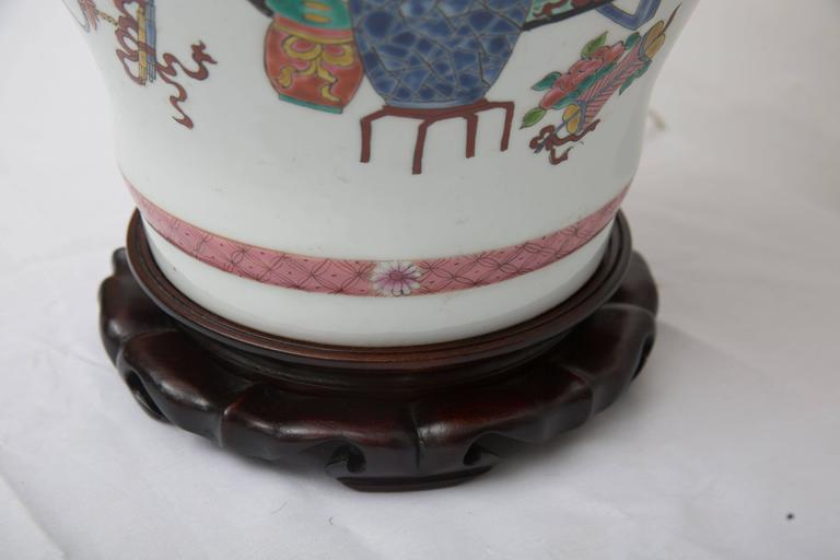 Other Pair of Chinese Urn Lamps on Scalloped Bases For Sale
