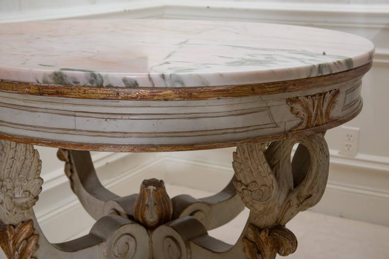 19th Century Swedish Circular White Painted and Parcel-Gilt Table For Sale 1