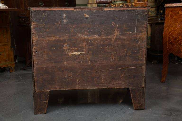 English George III Mahogany Chest of Drawers For Sale 3