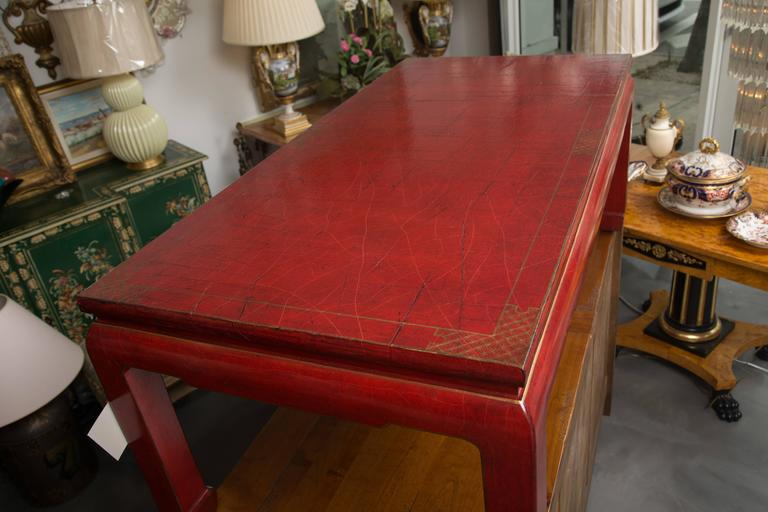 Red-Lacquered Coffee Table In Good Condition For Sale In WEST PALM BEACH, FL