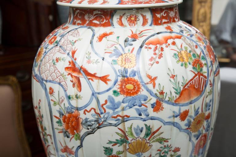 Pair of Chinese Palace Lidded Imari Urns 8