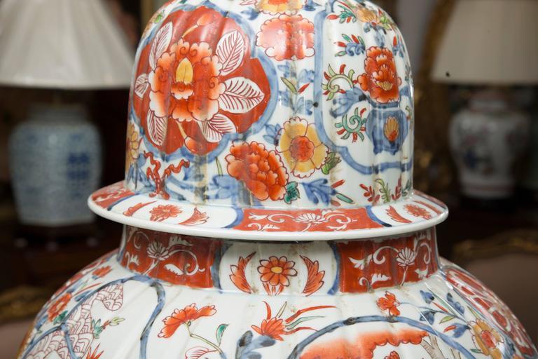 Pair of Chinese Palace Lidded Imari Urns 7