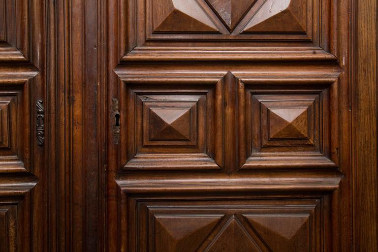 18th Century French Oak Armoire 8