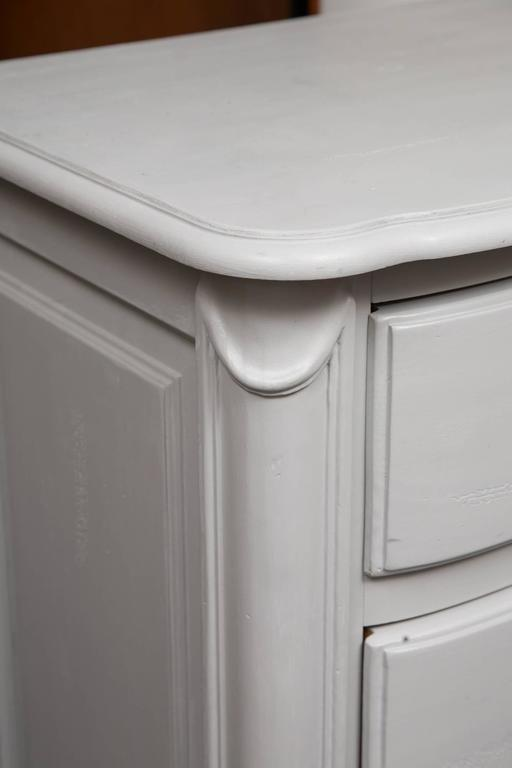 Gray Painted Block Front Chest of Drawers 2
