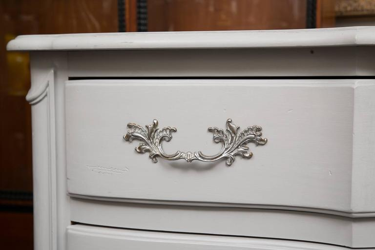 Gray Painted Block Front Chest of Drawers 3