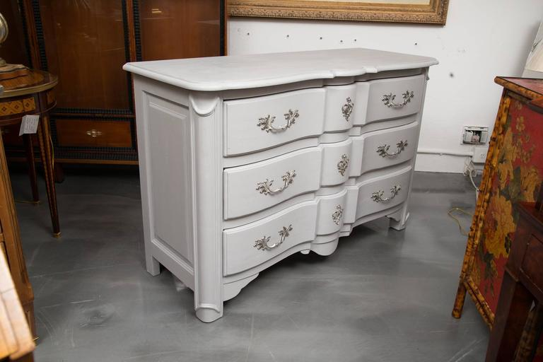 Gray Painted Block Front Chest of Drawers 5