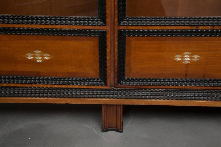19th Century English Regency Style Cherry and Ebony Bookcase For Sale 2