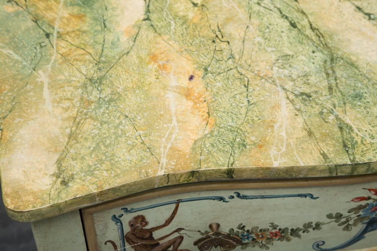 Venetian Hand-Painted Serpentine Commode For Sale 2