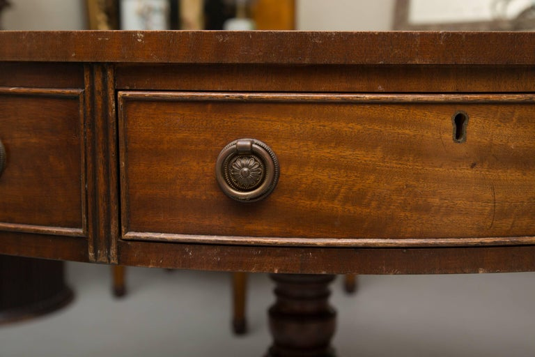 English Mahogany Drum Table with Leather Inset In Good Condition For Sale In WEST PALM BEACH, FL