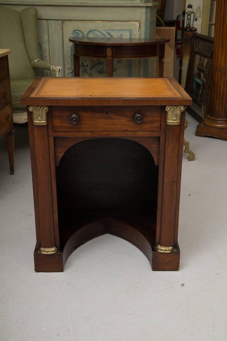 19th Century Mahogany Knee Hole Desk For Sale 2