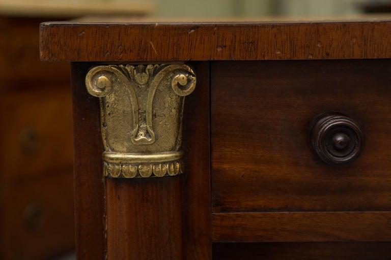 English 19th Century Mahogany Knee Hole Desk For Sale