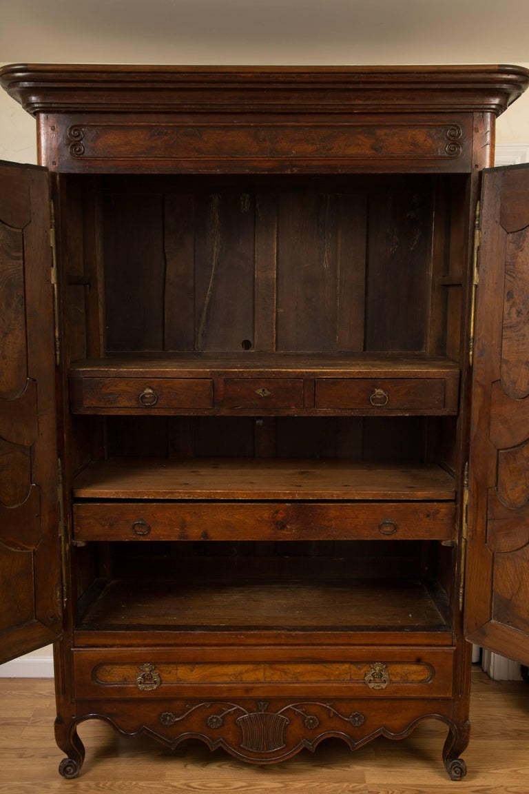 French 18th Century Figured Walnut Armoire For Sale 1