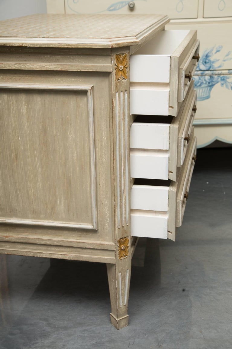 French Pair of Louis XVI Style Decorative Painted Chests For Sale