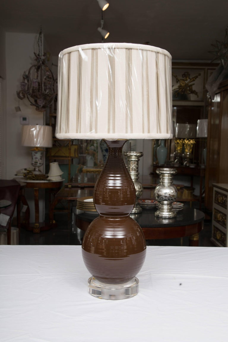 20th Century Pair of Chocolate Brown Double Gourd Table Lamps For Sale