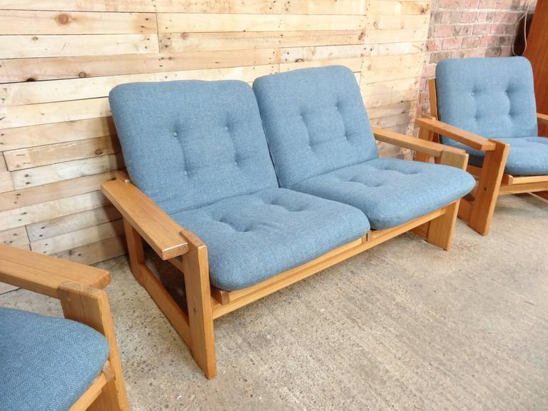 Rare Vintage Dutch Pastoe Two-Seat Sofa or Loveseat In Excellent Condition For Sale In Cowthorpe, North Yorkshire