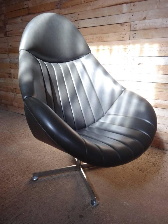 1960s Dark Grey Black Rohe Noorwolde Leather Egg Chair In
