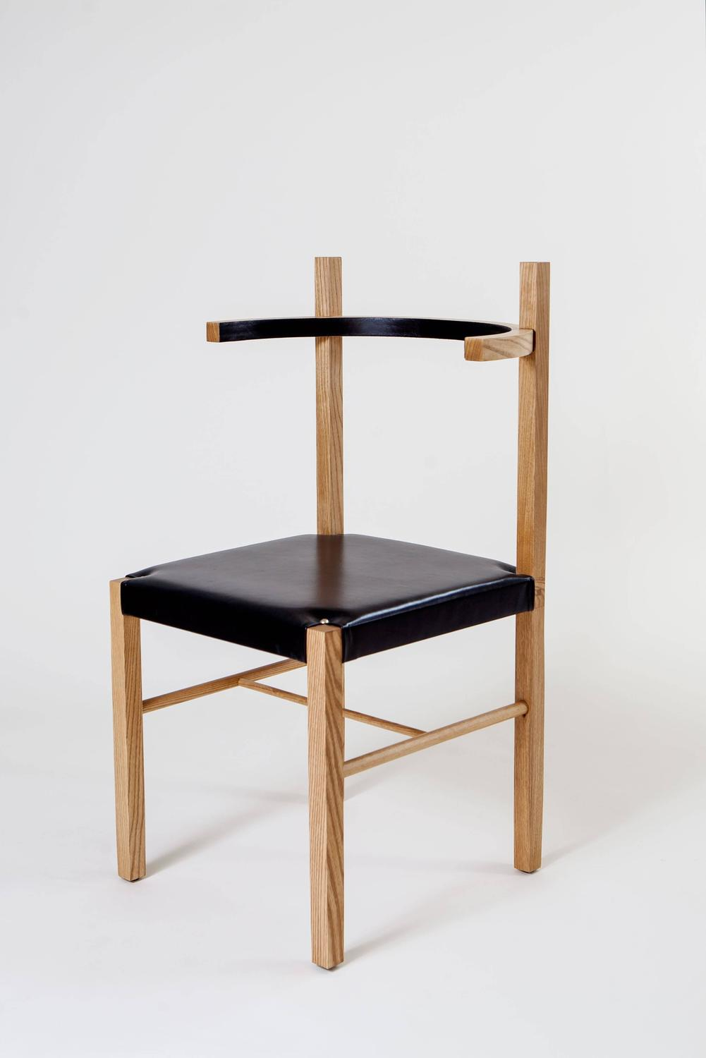 Soren chair in cinnamon ashwood and black leather for sale for Minimal furniture