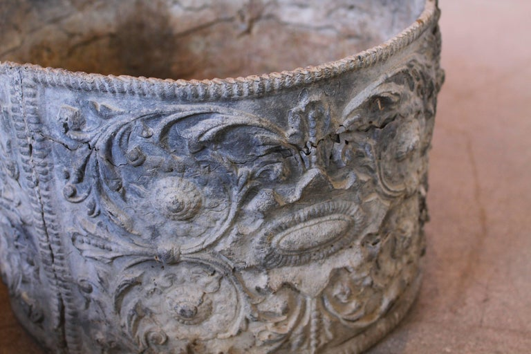 19th Century English Lead Planter with Renaissance Cartouche Relief Design In Good Condition For Sale In Cardiff, CA