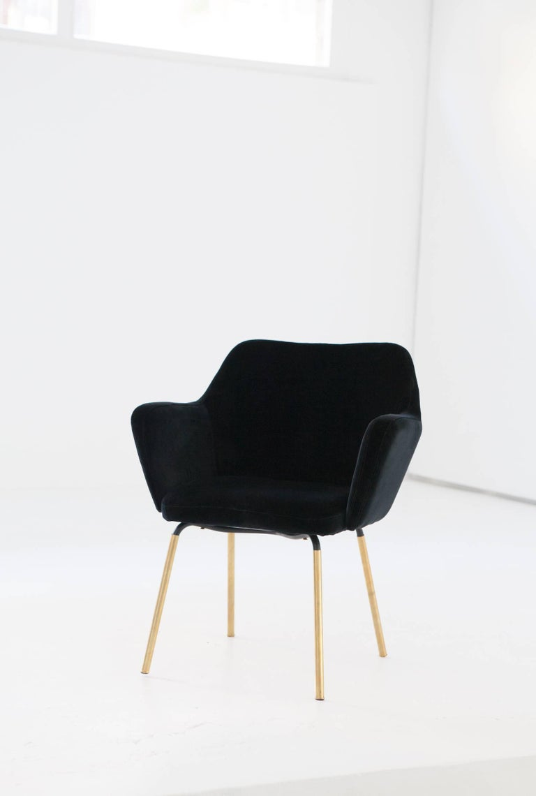 Italian Gio Ponti for Arflex Pair of Airone Black Velvet Armchairs, 1950s Dining Chairs For Sale