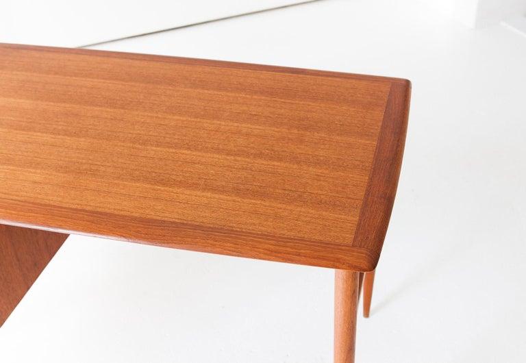 Fully Restored Danish Mid-Century Modern Teak Day Desk, 1950s For Sale 4