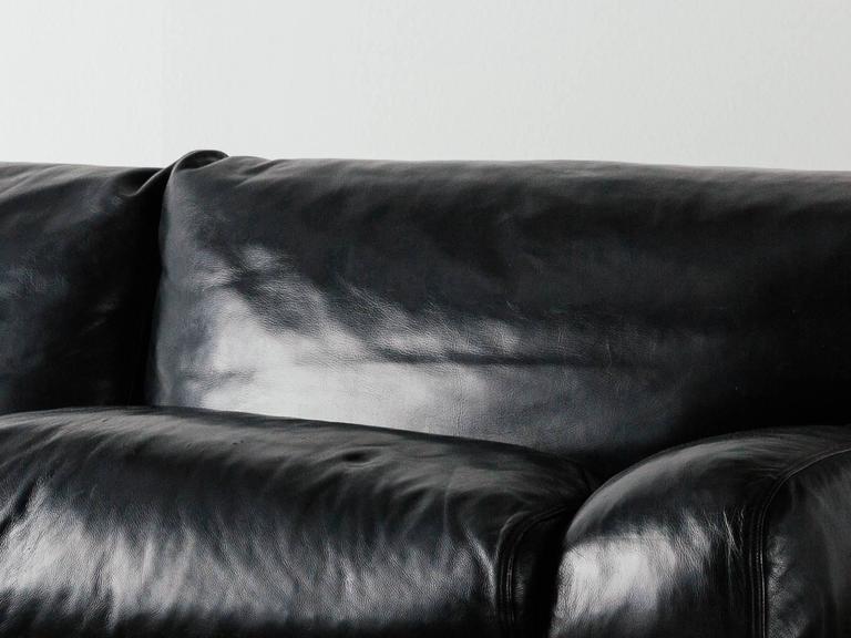"""Walse"" Black Leather Sofa by Tito Agnoli for Poltrona Frau, 1986 8"