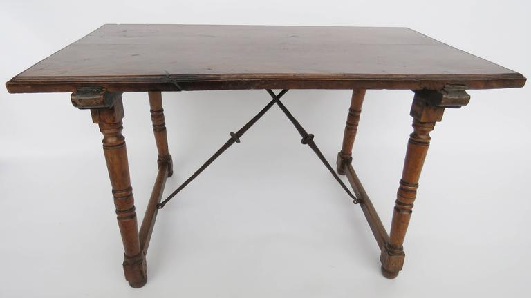 Baroque 18th Century Walnut Side Table For Sale