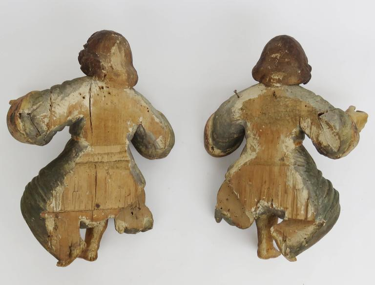 18th Century Large Pair of Polychromed Cherubs For Sale 3