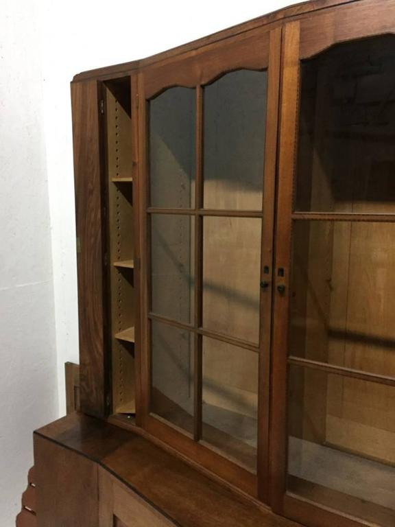 English An Important Breakfront Bookcase/Cabinet designed by E Barnsley, Exhibited 1982. For Sale