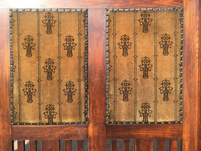 Hand-Crafted Rare Arts & Crafts Glasgow School Oak Settle with Stunning Original Fabric For Sale
