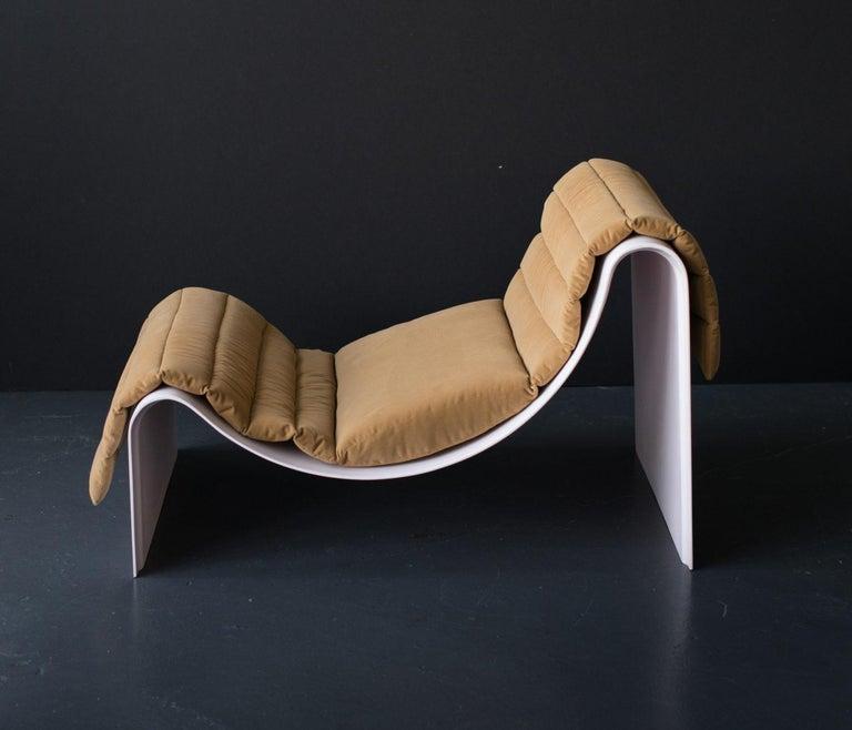 'Knockabout' Fiberglass Lounge Chair, Powder Pink For Sale 3