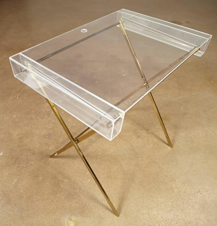 Charles Hollis Jones Clear Lucite and Brass Trays with Brass Stand In Good Condition For Sale In Tucson, AZ