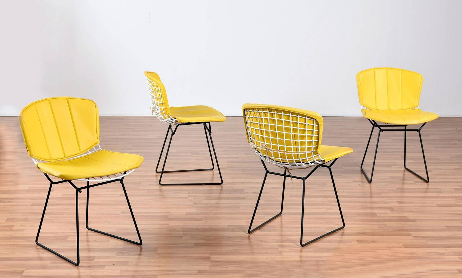 Set of Four Vintage Bertoia Knoll Chairs with Pads For