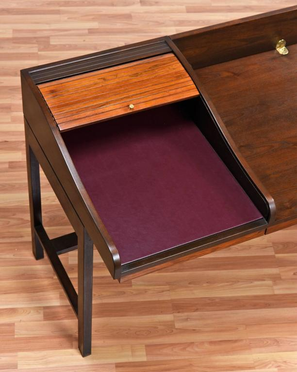 Edward Wormley for Dunbar Executive Rosewood Roll-Top Desk For Sale 1