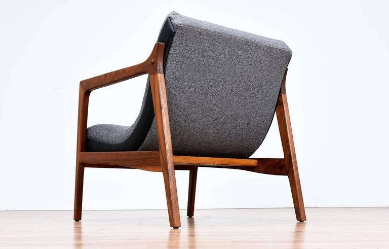 Restored Duo Tone Mid Century Modern Scoop Chair At 1stdibs