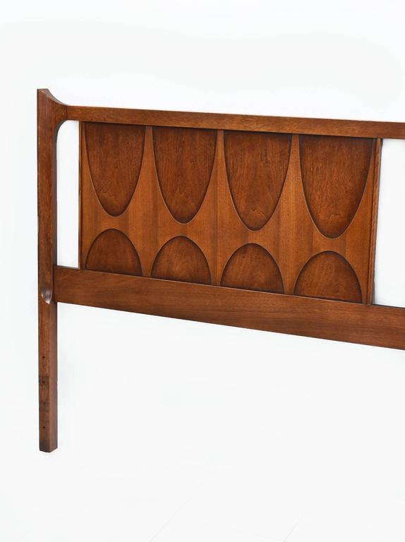 Mid century modern broyhill brasilia king size walnut for Broyhill american era bedroom furniture